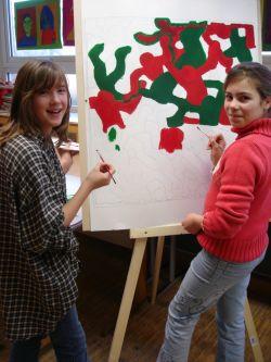 Junge Künstler malen